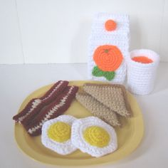 https://flic.kr/p/am98bs | Bacon, Eggs & Toast | Crochet pattern includes instructions for bacon, fried eggs, toast and orange juice.