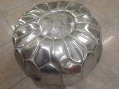 Marocaine en cuir véritable Pouf Ottoman par AUTHENTICMILLENIUM