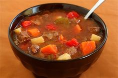 You'll love this easy Steak Soup (Vegetable Beef Soup) recipe! Quick and easy meal to make, and delicious! Crock Pot Recipes, Beef Soup Recipes, Vegetable Soup Recipes, Slow Cooker Recipes, Cooking Recipes, Herb Recipes, Vegetable Stew, Veggie Soup, Kraft Recipes