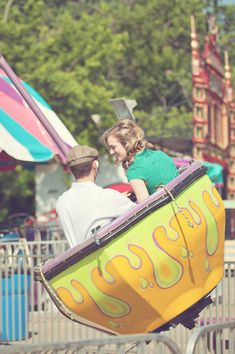 small town vintage carnival summer engagement session | Storyboard Wedding