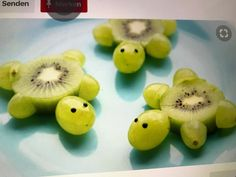 Schildkröten aus Kiwi Weintrauben Foodie Kinder Kids lecker gesund süß Obst - Comidas fáciles - Las recetas más prácticas y fáciles Cute Snacks, Snacks Für Party, Snacks Kids, Sea Party Food, Fruit Party, Food Art For Kids, Fruit Art Kids, Cute Food Art, Fun Food