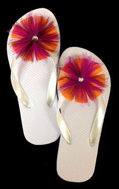 """Shoe Clips : SC3F Felt Hackle Shoe Clip w/Marabou 2 3/4"""" Diameter 1 Pair  Felt Rooster Hackle Shoe Clip with Marabou 2 3/4"""" diameter 1 pair.  SHOP FEATHERS: www.featherplace.com"""