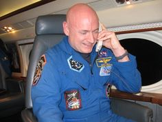 Scott Kelly @StationCDRKelly  11 hil y a 11 heures .@POTUS Thank you, Mr. President. For your support & for your phone call as I fly home at a lower altitude tonight!