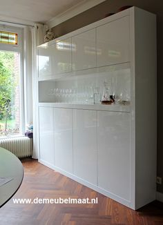 Wooden Wall Shelves, Lego Storage, Ikea Hack, Cool Kitchens, Man Cave, Bookcase, Kitchen Cabinets, Interior Design, House