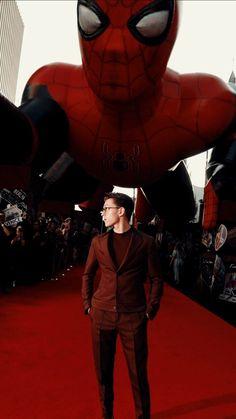 On red carpet - Tom Holland Marvel Avengers, Marvel Comics, Iron Man, Tom Holland Zendaya, Parker Spiderman, Tom Spiderman, Tom Holand, Baby Toms, Tom Holland Peter Parker
