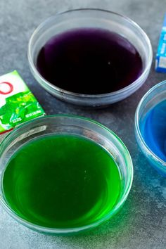 This jello shots recipe contains fruit flavored gelatin and vodka, which are mixed together, poured into cups, then chilled until firm. Cherry Jello Shots, Lemonade Jello Shots, Easy Jello Shots, Margarita Jello Shots, Making Jello Shots, Champagne Jello Shots, Easy Shot Recipes, Jello Shot Recipes, Drinks Alcohol Recipes