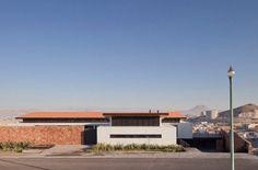 Arhitectura moderna adaptata climatului din desertul Chihuahuan: Casa Camino 2