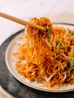 This easy, Cantonese supreme soy sauce pan-fried noodles recipe is one of our all-time most popular! Try these restaurant-style noodles to see why! Pan Fried Noodles, Fried Noodles Recipe, Soy Sauce Noodles, Garlic Noodles, Egg Noodles, Vegetarian Recipes, Cooking Recipes, Healthy Recipes, Wok Of Life