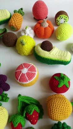 Lernspielset You can come up with a lot of interesting and informative games with a developing set of fruits, vegetables, berries and educational cards. - Baby Development Tips Crochet Fruit, Crochet Food, Free Crochet, Knit Crochet, Crochet Cactus, Crochet Toys Patterns, Stuffed Toys Patterns, Knitting Patterns, Crochet Projects