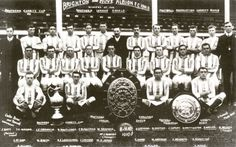 Brighton line up for the season complete with Charity Shield and Southern Lague championship trophy - Blackman is fifth from the left in the back row Leeds United Players, Football Soccer, Soccer Teams, Brighton & Hove Albion Fc, Back Row, Premier League, Vintage Photos, Retro, Seasons