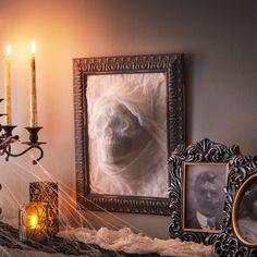 Ghostly Head Frame