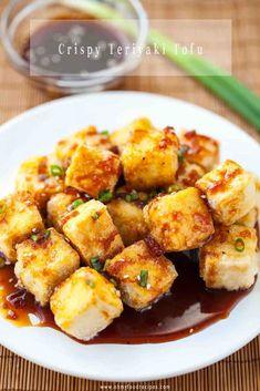 Crispy pan fried tofu tastes amazing with Japanese homemade teriyaki sauce! The best crispy teriyaki tofu recipe in 15 minutes. Japanese Tofu Recipes, Asian Recipes, Chinese Recipes, Chinese Food, Tofu Dishes, Vegan Dishes, What Is Tofu, Teriyaki Tofu, Homemade Teriyaki Sauce