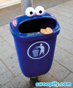 ...Never throw away cookies!!! (unless its to a super adorable trash can...just not the ones i made for you!)