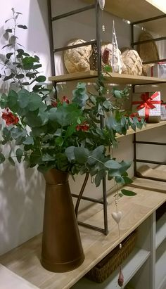 Christmas decoration and flowers for The Bakery Pana Bread by LINA.