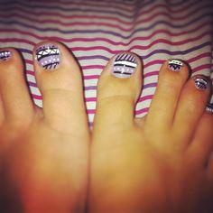 Tribal toe nails