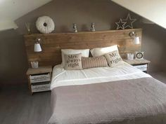 Homemade scaffolding wooden bed rnrnSource by Home Decor Bedroom, Bedroom Wall, Master Bedroom, Homemade Beds, Trendy Bedroom, Home And Living, Headboard Ideas, Rustic Wood Headboard, Headboard With Lights