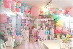 Candy Theme Birthday Party, Donut Birthday Parties, Candy Party, Birthday Party Decorations, Birthday Ideas, Baby Girl Birthday, Ice Cream Party, 1st Birthdays, Babyshower