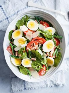 Bean Tomato and Boiled Egg Lunch Salad Salad Dressing Recipes, Healthy Eating Recipes, Easy Salads, Healthy Salad Recipes, Easy Meals, Boiled Egg Salad, Bacon Salad, Tomato Salad, Side Dish Recipes