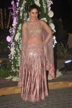 Kareena Kapoor Khan in Manish Malhotra.