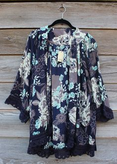 I dont like kimonos that are too long but this may be a good length