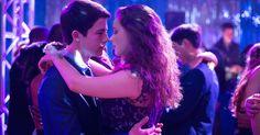 """Veja entrevista com o elenco de """"13 Reasons Why"""", série sobre suicídio da Netflix"""