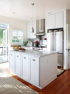 We're loving this bright light-filled kitchen! See more inspiring spaces: http://www.bhg.com/decorating/small-spaces/homes/solutions-to-make-a-small-home-livable/