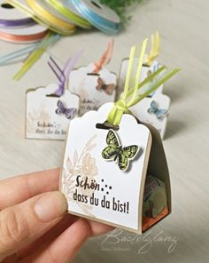 fast-gift-wrapping-butterfly-beautiful-you-are-there-ferrero-kue . - New Ideas fast-gift-wrapping-butterfl Stampin Up, Valentines Day Wishes, Mug Art, Diy Mugs, Best Wedding Gifts, Appreciation Gifts, Party Bags, Paper Gifts, Gift Packaging