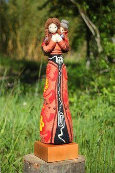 """""""Muñikas"""" by Paula González (Ethnic needle felted dolls) Wet Felting, Needle Felting, Felt Penguin, Felt Angel, Wool Art, Fairytale Art, Felt Toys, Fabric Art, Felt Crafts"""