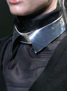 Silver collar - Never saw these before - what occasion could you get away with this shiniest  of things? For the android-vampire look?