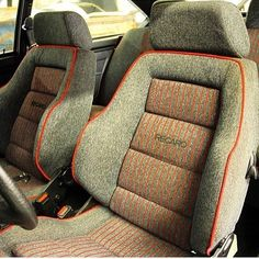 Love it or hate it? Volkswagen Jetta, Jetta Mk1, Car Seat Upholstery, Automotive Upholstery, Jeep Seats, Car Seats, Golf 1 Cabrio, Passat B4, Classic Cars