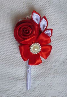 Boutonniere for the groom guests by DeShiko on Etsy