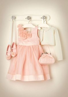 Little girl - wedding outfit, so delicate.