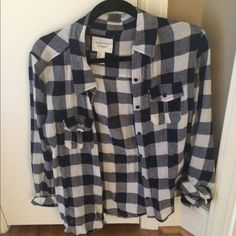 Plaid long sleeve Very warm for winter, button up, fits like medium Forever 21 Tops Button Down Shirts