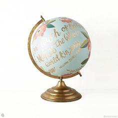 Viajar e conhecer o mundo é um dos maiores desejos das pessoas. Reuni várias ideias para decoração com mapas para renovar seu cantinho, vem ver! 🌎  - #world #traveltheworld #decoracao #ideias #mapas #viajar #wanderlust #mapamundi #love #travel #earth #viagem #ideas #decoration #viajarfazbem #blogger #post #amorasays
