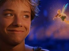 Peter Pan (2003) Peter Pan 2003, Film Peter Pan, Wendy Peter Pan, Peter Pan Stars, Jeremy Sumpter Peter Pan, Peter Pan Images, Peter Pan And Tinkerbell, Cute Teenage Boys, Backgrounds