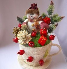 Ceramic Christmas tree Crackpot Christmas decoration lighted by CathysCeramics on Etsy Vintage Christmas Crafts, Handmade Christmas Decorations, Christmas Tea, Christmas Centerpieces, Rustic Christmas, Christmas Themes, Holiday Crafts, Christmas Ornaments, Merry Christmas