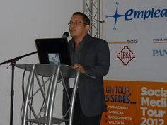 @Manuel Roldan en el #SMTour 2012, exponiendo sobre seguridad informática para Comunity Managers