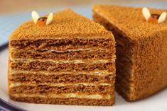 Medová torta s kyslou smotanou