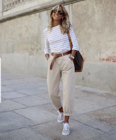 Mode Outfits, Stylish Outfits, Fashion Outfits, Womens Fashion, Fashion Hacks, Fashion Tips, Fashion 2020, Fashion Styles, Jeans Outfits
