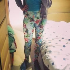 Hannah whipped up these floral Steeplechase Leggings, went for a run, snapped this photo, then ate pizza. TOP NIGHT!