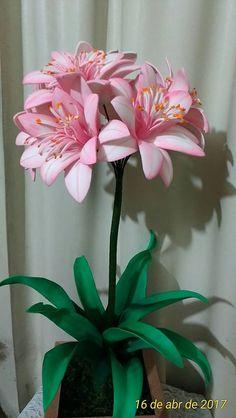 Nylon Flowers, Large Paper Flowers, Giant Flowers, Clay Flowers, Crochet Flowers, Fabric Flowers, Flower Pots, Handmade Decorations, Flower Decorations