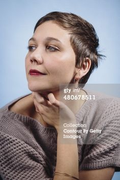 480678511-actress-maggie-gyllenhaal-is-photographed-gettyimages.jpg (396×594)