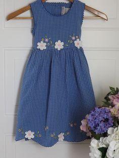 Girls, Youngland Blue checkered dress w/floral design and scalloped hem. Sz.6 #Youngland#Birthday#Birthdaydresses#girlsdresses$7.85