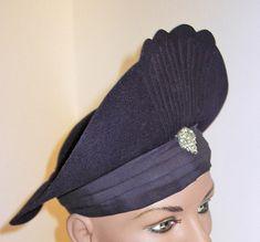 161c567e67c56 REDUCED 1930s Womens Art Deco Felt Hat