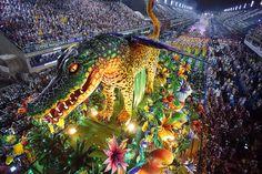 Blog que virou manchete - Panis Cum Ovum: Manchete no Carnaval: primeira noite das grandes e...