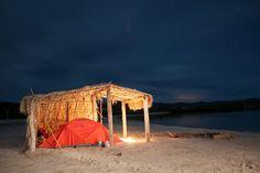 perdidos en el mar, coleman, casa de campaña, playa, buxok photo