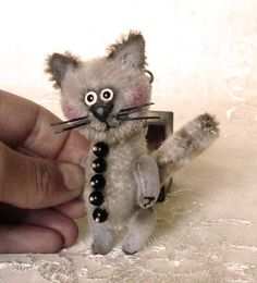 TeddyCat Agate, super mini! by Mara+Grishina