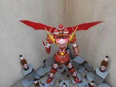 PeroniRobot:robot fatto con materiale riciclato.Bottiglie,lattine,tappi e cartone di birra
