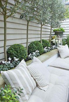 110 garden design ideas in city-style as you transform the outdoors - Garten - Balcony Furniture Design Back Garden Design, Backyard Garden Design, Patio Design, Backyard Seating, Outdoor Seating, Small Courtyard Gardens, Small Courtyards, Outdoor Gardens, Small Gardens
