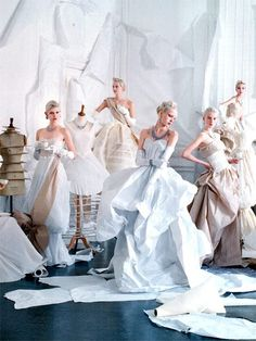 Featured in Vogue US' May 2014 issue was Tim Walker's reincarnation of Cecil Beaton's 1948 spread of Charles James' gowns. Walker's portrayal of the iconic shoot featured models such as Sasha Luss, Ola Rudnicka, and Codie Young among others. Fun Fact: The Charles James, Arte Fashion, Look Fashion, Editorial Fashion, Vogue Editorial, Dress Fashion, Trendy Fashion, Fashion Brands, Richard Avedon